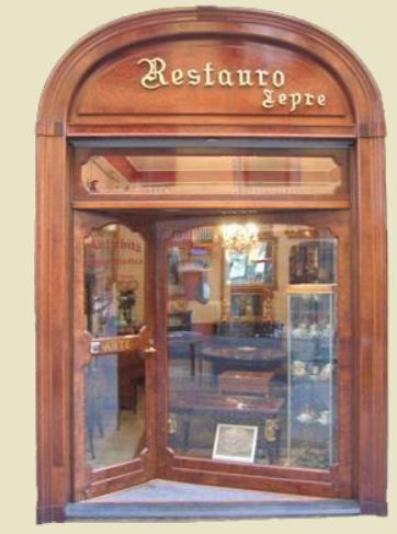 Antichit e restauro lepre dal 1959 napoli restauro for Regalo mobili antichi